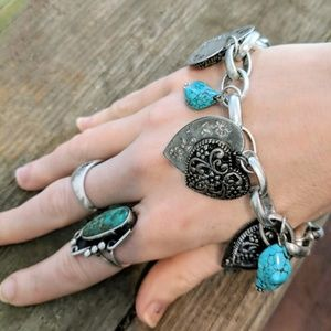 Jewelry - Vintage Heart Charm Bracelet